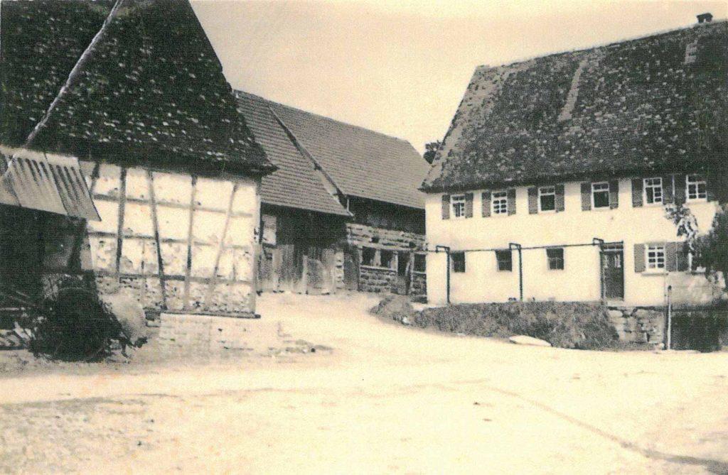 1960 Haus und Hof Gronbach Senior mit alter Scheune