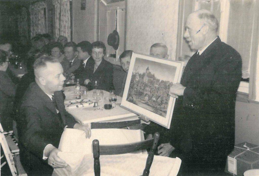 Verabschiedung von Pfarrer Günther durch Bürgermeister Gronbach im Jahr 1961