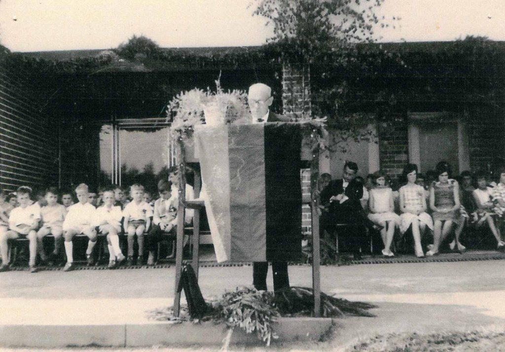 Einweihung der Grund- und Hauptschule im Juli 1963