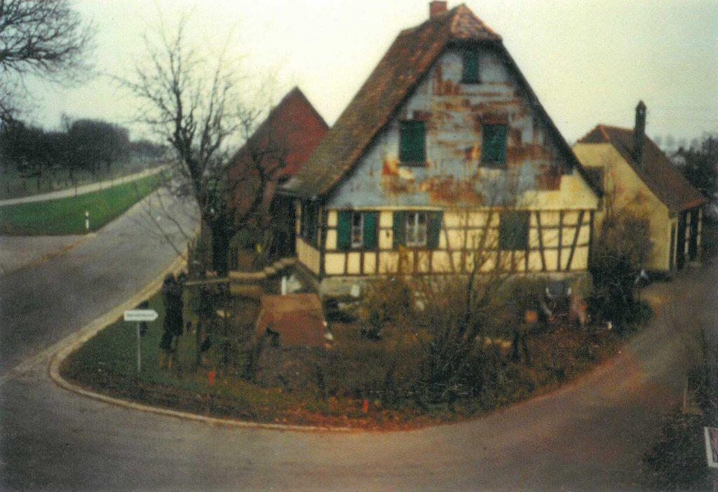 1992 Das alte Haus Hilpert an der Kreuzung Dorfstraße-Kupferweg