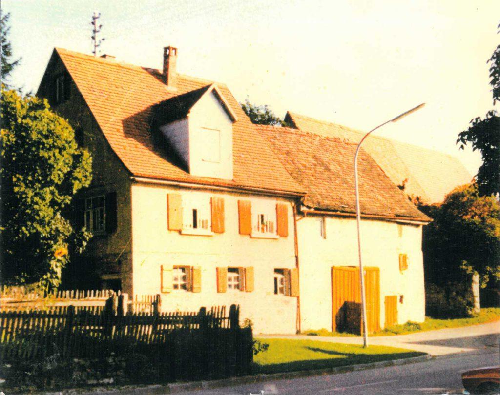 Das alten Haus Weibrecht in der Ludwigsruher Straße, jetzt Familie Baumann