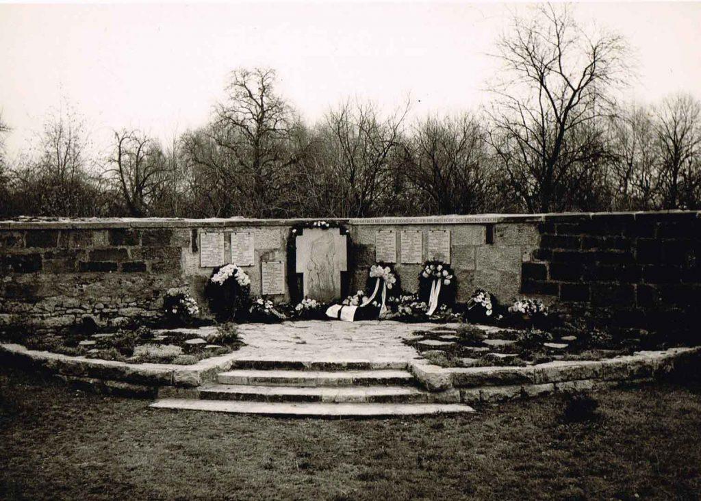 Kriegerdenkmal im alten Friedhof
