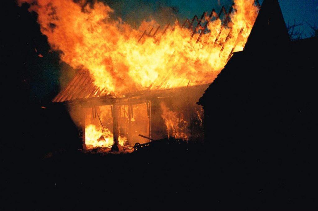 Brand Scheune Althofstelle Klenk und Stall Düring 25.11.1993
